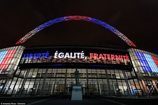 2E79F51900000578-3321123-The_friendly_will_see_Wembley_Arch_lit_up_in_the_red_white_and_b-a-122_1447711699134