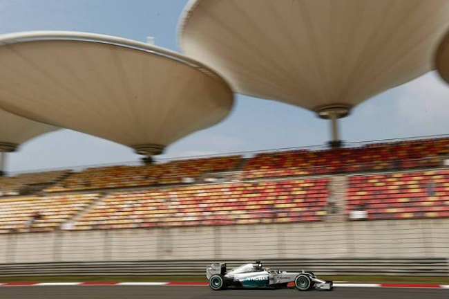 Mercedes-GP-China1-700x466